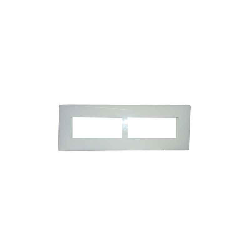 Legrand Mylinc 8M Horizontal White Plate, 6755 67