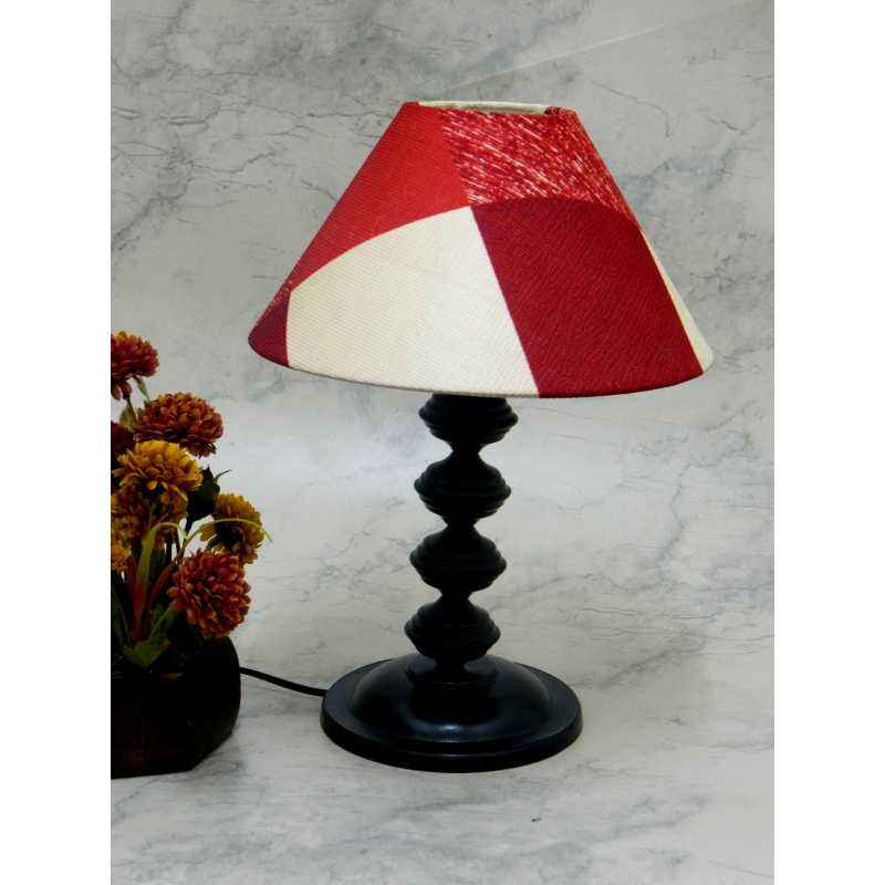 Tucasa Contemporary Table lamp with red Check Shade, LG-736